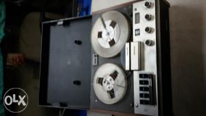 Magnetofoni dva komada Philips i Aiwa