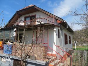 Prodaje se porodična kuća 86m² u Talamima