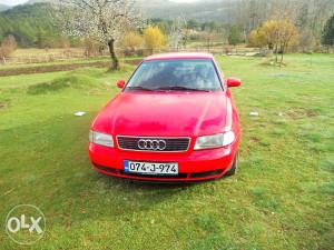Audi A4 1.6 benz/plin