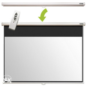 Acer MOTORIZIRANO Platno za projektor 254 cm !!!