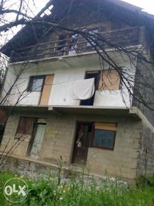 Kuća 8m x 8m sa dva balkona Lopate (Raspotočje)