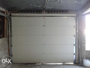 Garazna sekciona vrata