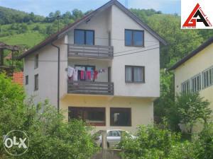 Kuća 180 m2 sa posl. pr. i 1500 m2 okućnice-ZENICA
