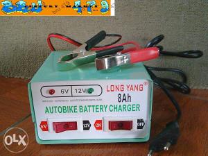 Punjač za akumulatore 6-12 Volti 8Ah