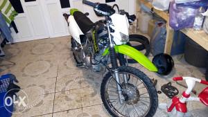 Kawasaki klx 125 klx125 kros