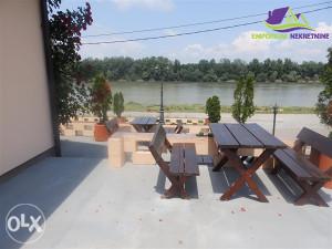 Restoran sa trosobnim stanom na rijeci Savi!