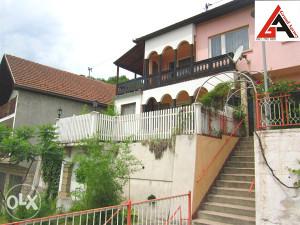 Kuća 105 m2 sa garažom i 350 m2 okućnice - Zenica