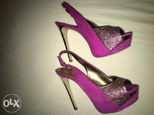 Ženske sandale-štikle Guess
