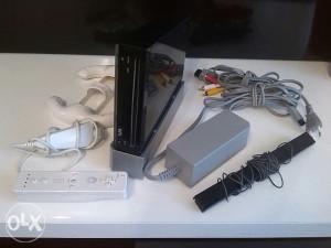 Nintendo wii cipovan 32gb, mario kart donkey kong itd