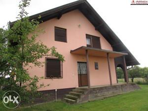 Namještena kuća i dvije pomoćne zgrade ID 2241/DŠ