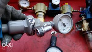 regulator pritiska protoka manometar zraka drager 6bar