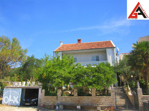 Kuća na moru 290 m2 i 500 m2 okućnice ZADAR– Sv. Petar