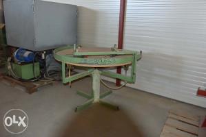 Okrugli stol za razabiranje drvenih elemenata