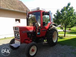 Traktor international internacional 585 XL