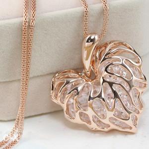 Elegantna Ogrlica Srce Zlatne boje 64cm duzine