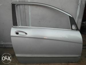 Prednja desna vrata Mercedes A klasa W169