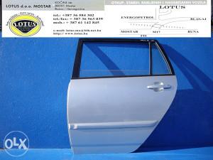 Toyota Corolla 03/07-zadnja lijeva vrata (ostali dijelovi)