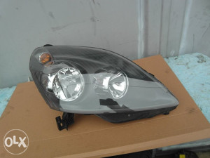 Desni far Opel Zafira B