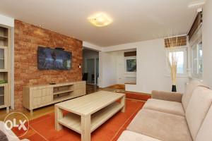 Stan 119m2 Ekskluzivno oprmljen 3230 KM/m2 + garaža