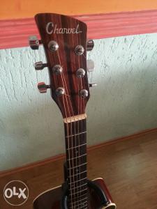 akusticna gitara Charvel