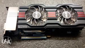 Gejmerska graficka ASUS GeForce GTX 670