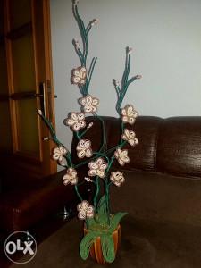 Dekorativni cvijet od perlica - ručni rad