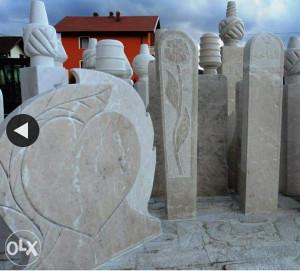 Nisani i nadgrobni spomenici