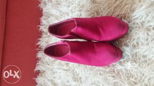 Pink čizmice na petu