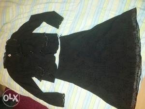 Zensko komplet suknje I sako