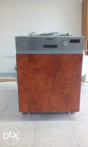 Mašina za pranje posuđa