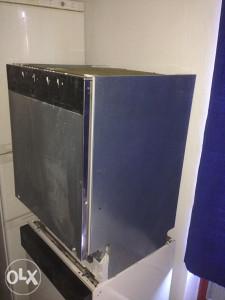 Mašina za suđe NEFF skrivene komande