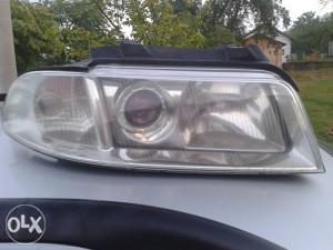 Farovi Audi A4