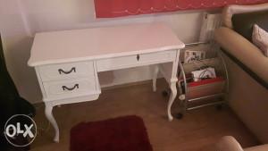 Stilski namjestaj stol(Bijeli)
