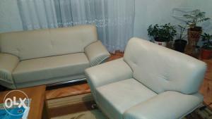 Garnitura namjestaja,trosjed,dvosjed i fotelja