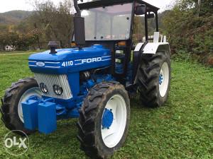 Traktor Ford 4110