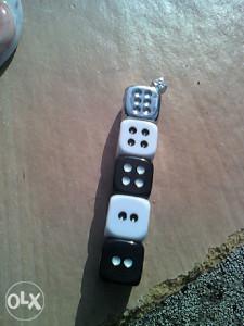 upaljać kockice