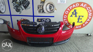 Prednji branik maska VW Fox 05g AE 115
