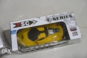 Auto ferarri (igračka na daljinsko upravljanje)žuti