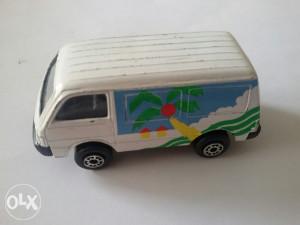 Stariji autić Maisto Ford