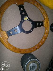 drveni volan sportski
