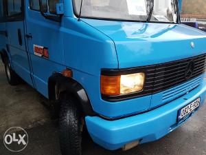 Mercedes 510 minibus