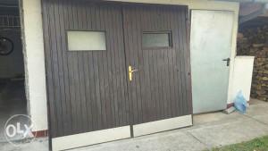 Garazna vrata drvena.