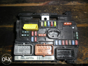 peugeot pezo 207 BSM 1.4 HDI 065/729-180