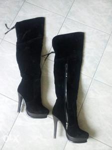 Zenske cizme iznad koljena  snižene 40km