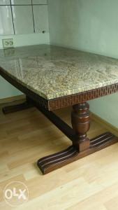 Stol sa granitnom pločom