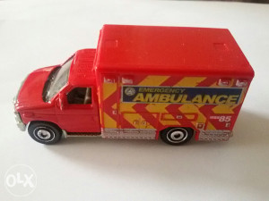 Autić Matchbox Ford E-350 Ambulance 2009 g.
