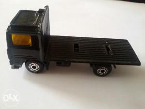 Autić Matchebox Kamion Volvo iz 1981 godine