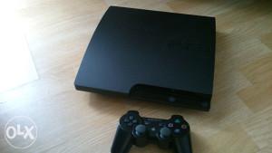 PS3 Playstation3+dva dzojstika 10 igara FIFA18 PES18